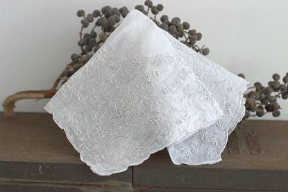 brocante geborduurd zakdoekje