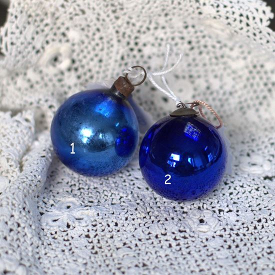 vintage blauwe kerstballetjes