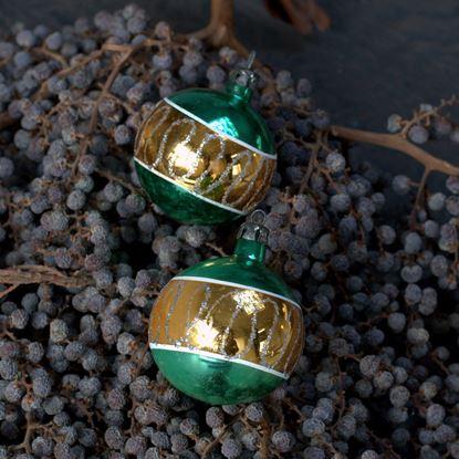 vintage groen met goud gestreepte kerstballen