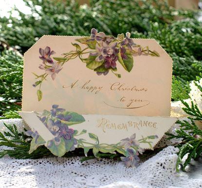 victoriaanse kerstkaart met paarse bloemen