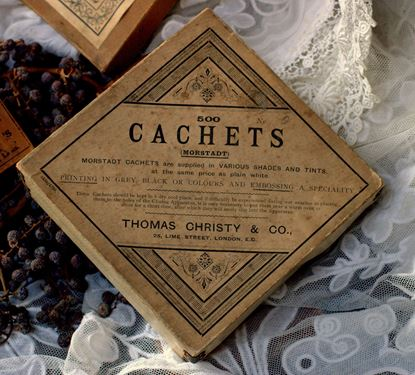vintage kartonnen verpakking van cachets voor medicijnen
