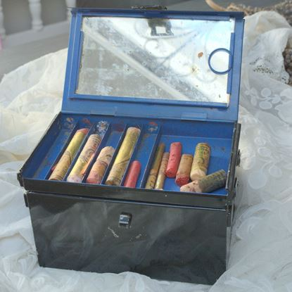 VINTAGE LEICHNER THEATER MAKE -UP KIST