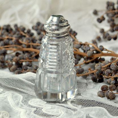 vintage kristallen parfumflesje met zilveren dopje