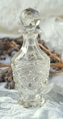 kristallen parfumfles met kristallen stop