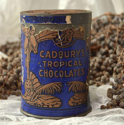 Brocante blik van Cadbury chocolade