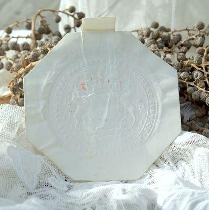 brocante papieren zegel met reliëf